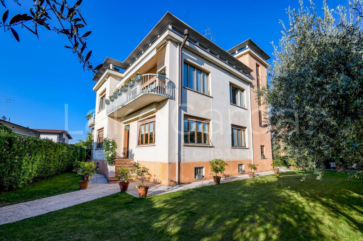 Villa in Vendita Lake Garda Real Estate